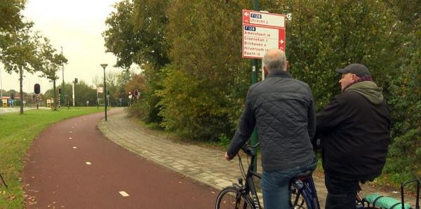 twee fietsers op het fietspad
